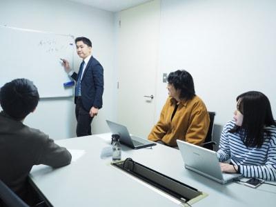 Funshare 浅草橋 貸会議室 の室内の写真