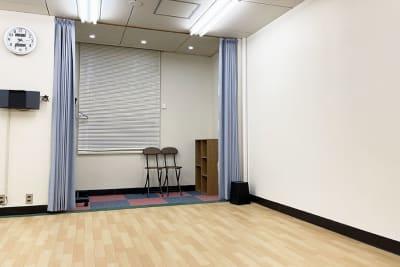 更衣スペース&荷物置き場 - ダンススタジオ ライトルーム 三宮店(506号室)の室内の写真
