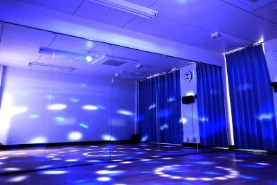 いつもと違った雰囲気でダンスができます - ダンススタジオ ライトルーム 三宮店(506号室)の室内の写真