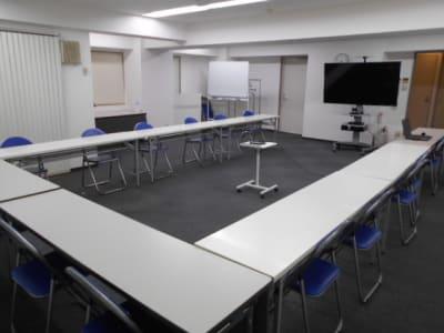 WEB会議用レイアウト - 第一総合警備保障株式会社 3階 研修・会議室の室内の写真