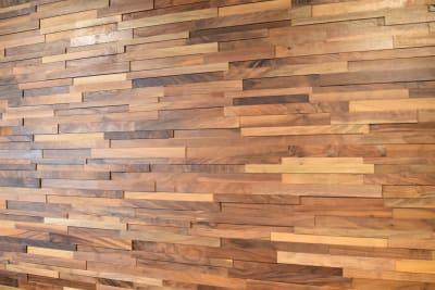 立体感のある木目の壁もあります。 - 日本橋スタジオ 撮影、会議室、リモートワークの室内の写真