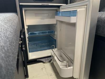 冷蔵庫(45L) - レンタルスペース【C-LH】 レンタルスペースの設備の写真