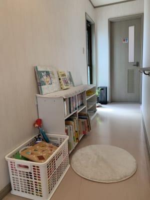 絵本あります😊 - レンタルスペース「KAORI」 room1 多目的スペースの設備の写真