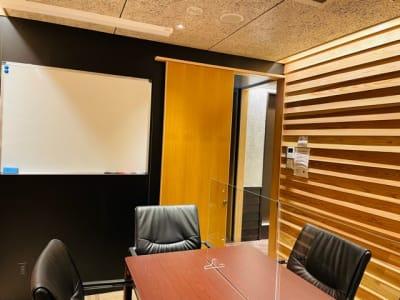 103号室ホワイトボード - 埼玉カンファレンスセンター 103号室の設備の写真