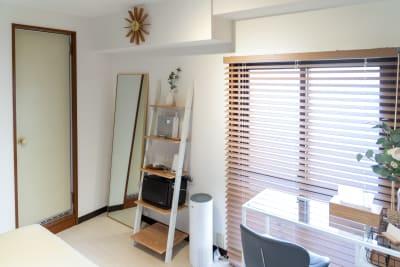 レンタルサロンカベリ学芸大学店の室内の写真