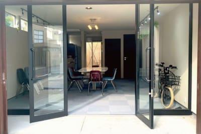 開放的な入り口になっています! - halenoki (ハレノキ) ハレノキの室内の写真