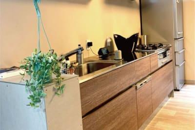 十分なキッチンスペース! - halenoki (ハレノキ) ハレノキの設備の写真