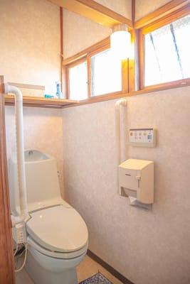 洋式トイレがひとつあります。鍵が付いておりませんので予めご了承ください。 - フォトスタジオbloom レンタルスペース、多目的スペースのその他の写真