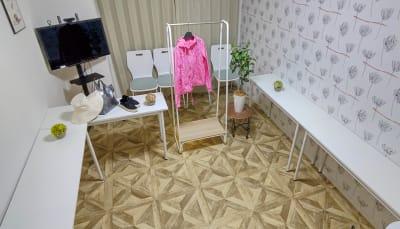 展示会モード - MTGベース ・クアトロ リモートワークスペースの室内の写真
