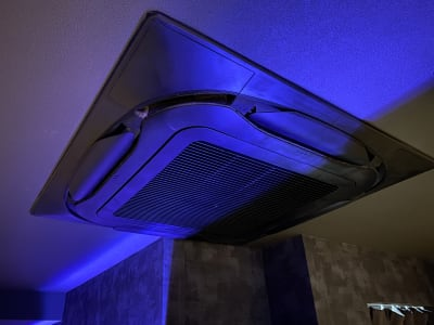 エアコン。 - V-panic パーティールーム レンタルルーム、カラオケの設備の写真