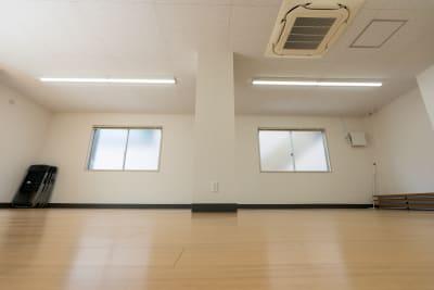 幅3.4メートル、奥行き8メートルの広いスペースです。 - レンタルスタジオKACHA レンタルスタジオの室内の写真