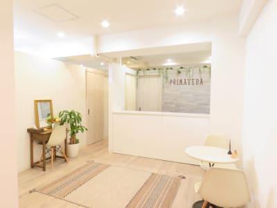 エントランス - PRIMAVERA池袋 サロンスペースの室内の写真