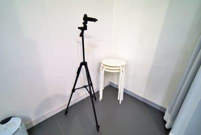 スマホ用撮影三脚・スツール - 中野レンタルスタジオ「オドリバ」 レンタルスタジオの設備の写真