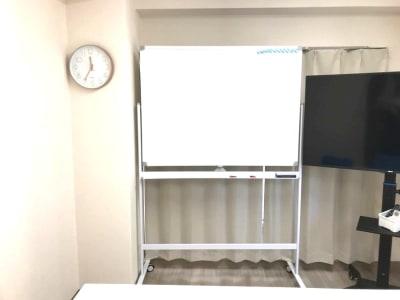 サンキュー会議室 池袋西口の室内の写真