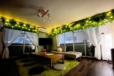 夜の雰囲気も最高です♪ - アネックス新大阪 SpaceLikeの室内の写真