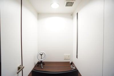 デニーズ幡ヶ谷マルチスペース 個室No.2の室内の写真