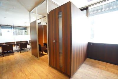 デニーズ幡ヶ谷マルチスペース 個室No.22の室内の写真