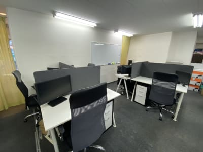 レンタルスペース アースタイムズ 【二人用】コワーキングスペースの室内の写真