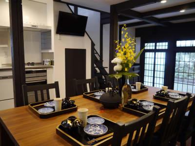 2~8名様  ダイニングテーブル - 京都高瀬川の町家  CanalHouseの室内の写真