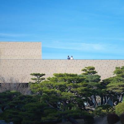 京都随一の文化ゾーン、岡崎エリアまで徒歩10分。美術館や図書館、書店やホール、ギャラリーなどアートや文化に触れられます。 - mado プライベートワークスペースの室内の写真