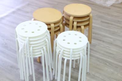 椅子(白6脚)他4脚あります - MERIA 烏丸御池多目的サロンスペースの設備の写真