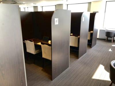半個室のスペースとなります。 - 大阪駅第3ビルワーキングスペース コワーキングスペース/18ブースの室内の写真
