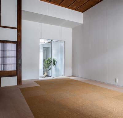 サイザルを採用した和の空間 - 湯梨浜スタジオ 撮影スタジオギャラリーの室内の写真