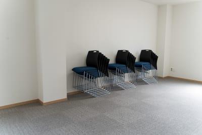 会議用椅子 - 多目的スペース「プロジェクト」 多目的スペースの設備の写真