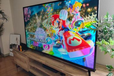 迫力ある大型55インチテレビで任天堂Switchが楽しめます。 - レンタルスペースくまもと 上乃裏の室内の写真