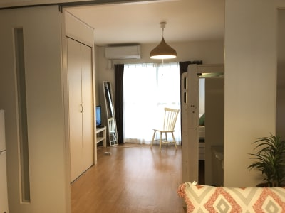 奥の部屋はヨガ等ができる広さがあります - ワークスペースフロリッシュ ワークスペースすすきのの室内の写真