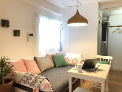 リビングダイニングエリアと奥の1部屋をご利用になれます - ワークスペースフロリッシュ ワークスペースすすきのの室内の写真
