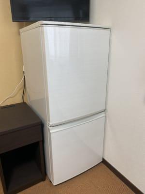 室内に冷蔵庫あり◎ 持ち込みもOKなので、飲食物持ち込んで巣ごもりできます! - Star-Club 市ヶ谷 サカノウエの巣ごもりプラン204の設備の写真