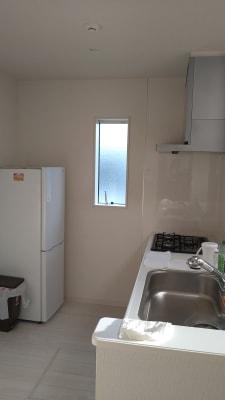 冷凍冷蔵庫、レンジのあるダイニングスペース - iSpace am/pmの室内の写真