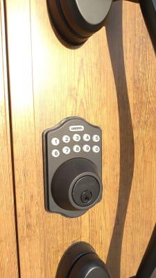 入口デジタルキー SmartLOCK 4桁の一時キーを発行します - iSpace am/pmの室内の写真