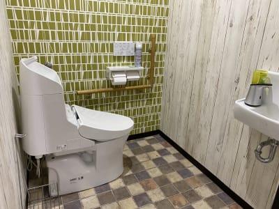ひろびろトイレあります - ミリヨン  シェアスペース 【毎日消毒安心個室】03部屋会議の室内の写真