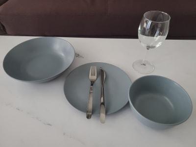 様々なタイプのお皿や、コップとワイングラスを揃えてます😉 - プレシャス 多目的スペースの設備の写真