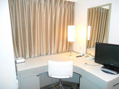 広くて作業がしやすいです。 - グランドセントラルホテル Study Roomの室内の写真