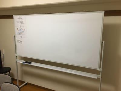 こちらのホワイトボードをご用意しています。 - YK会議室吉祥寺302の設備の写真