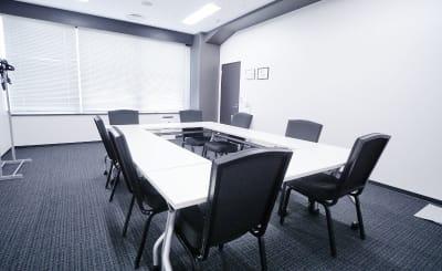 TKP神田駅前ビジネスセンター ミーティングルーム5Eの室内の写真