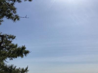 バルコニーからの青空です。住宅街の中ですが、眺望の良さもおすすめポイントです。 - ワーケーションスペース茅ヶ崎 コワーキングスペースの室内の写真