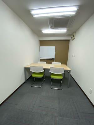 シャリオン東山通 FREE SPACE REALの室内の写真