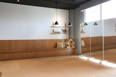 VERDE(ヴェルデ) レンタル会議室、スタジオの室内の写真