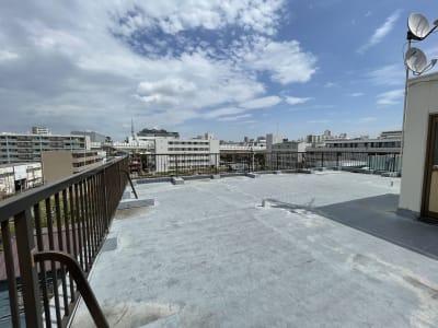 都会にありながら空が広い屋上はスカイツリーも見えます - ArtSpaceMONNAKA 5LDK+屋上スペースの室内の写真