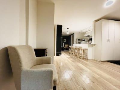 建物の4階部分を全てお使いいただけます - ArtSpaceMONNAKA 5LDK+屋上スペースの室内の写真
