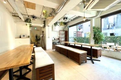 大きな窓で換気も抜群!! - 渋谷ガーデンルーム4F 渋谷ガーデンルーム4Fの室内の写真