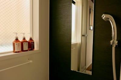 浴室・トイレ完備 - ArtSpaceMONNAKA 5LDK+屋上スペースの室内の写真