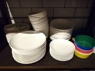 食器類は無料でお貸出しします。 - Malibu一宮 貸切りBBQスペースの設備の写真