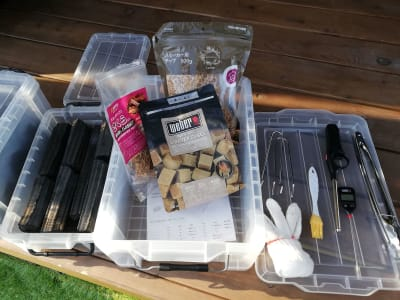 手ぶらセットには、木炭3kg、新しい網、着火剤やチャッカマンなどが含まれております。 - Malibu一宮 貸切りBBQスペースの設備の写真