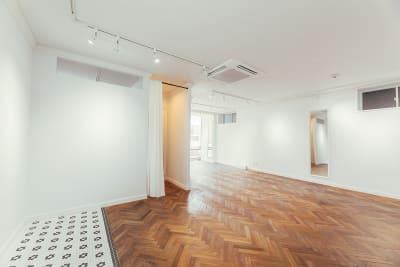 WB gallery ギャラリー・スタジオの室内の写真