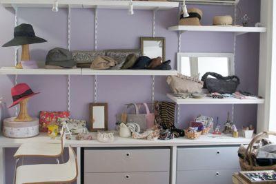 棚は可動式です - メゾンドシャポー ギャラリーの室内の写真